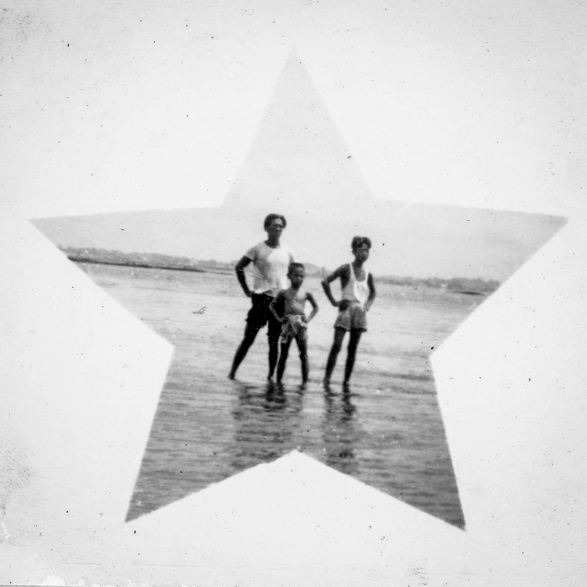 Teo's Island Album-12