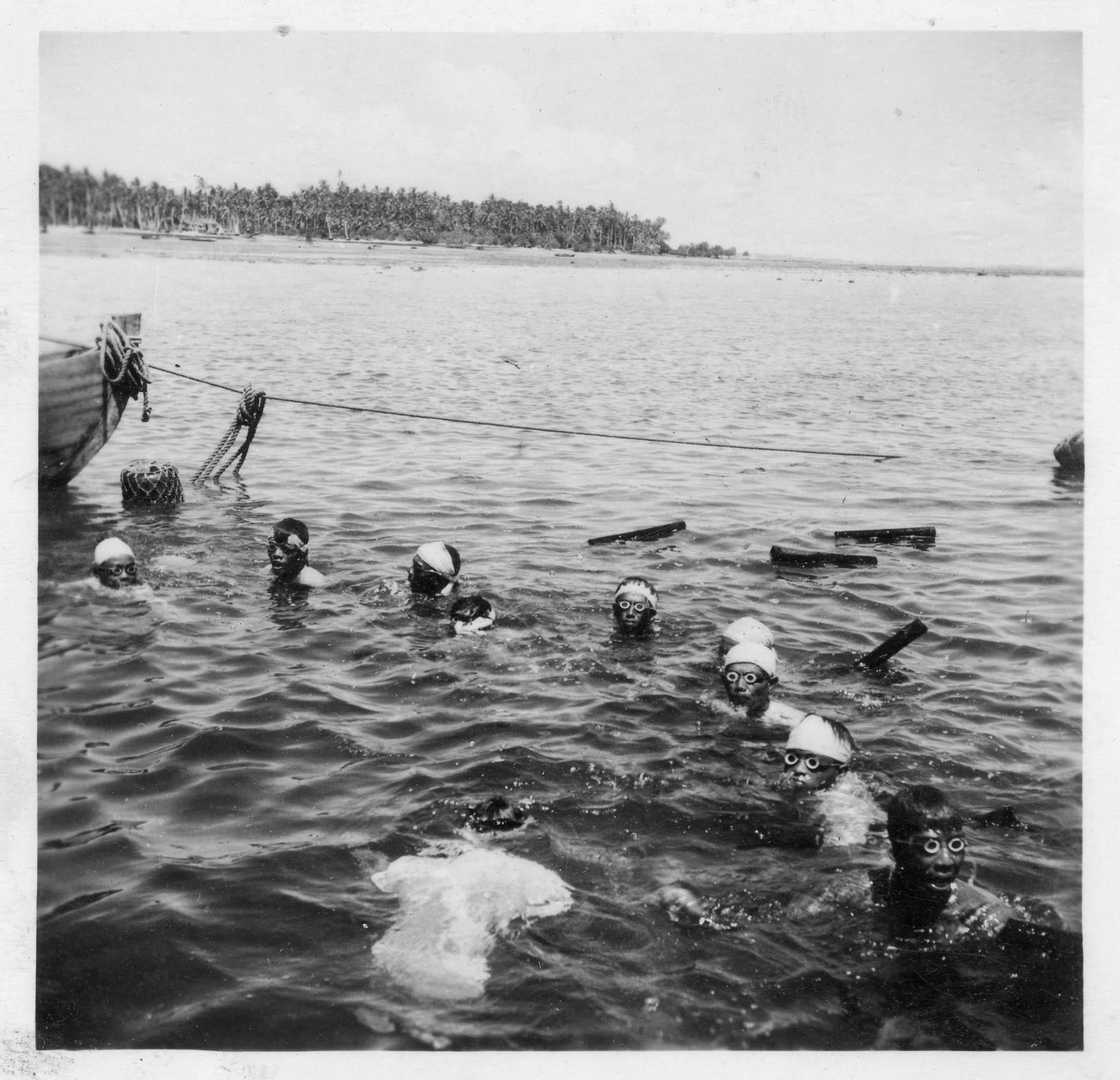 Teo's Island Album-19